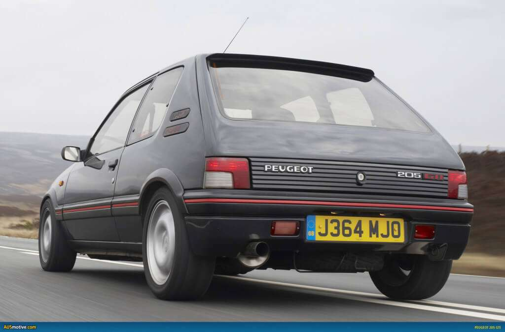 Peugeot-205-GTI-01 rear